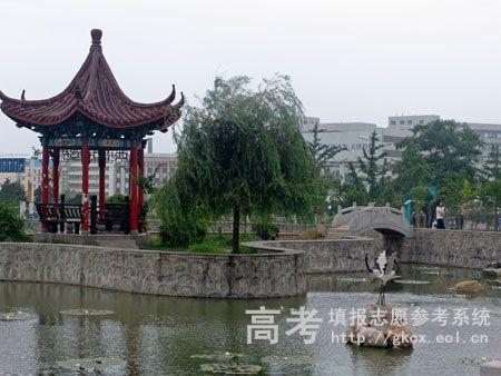 河北科技师范学院校园一角