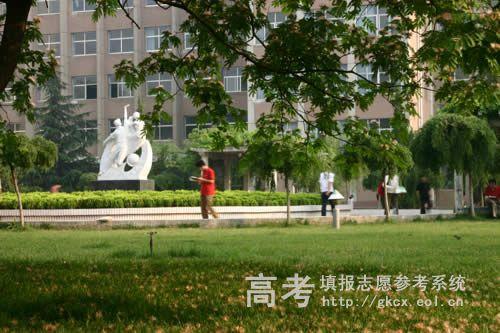 河南工程学院校园一角