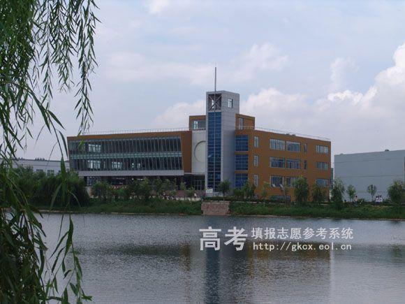 青岛理工大学琴岛学院校园一角