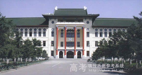哈尔滨医科大学校园一角
