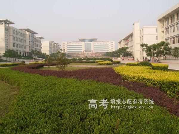 河南城建学院校园一角