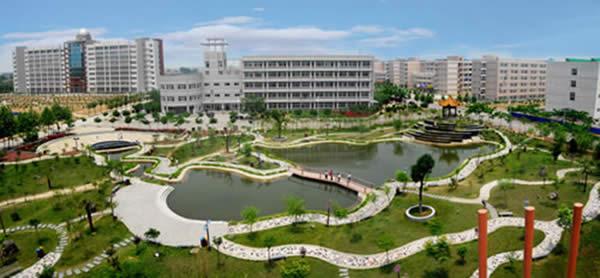 许昌学院校园一角