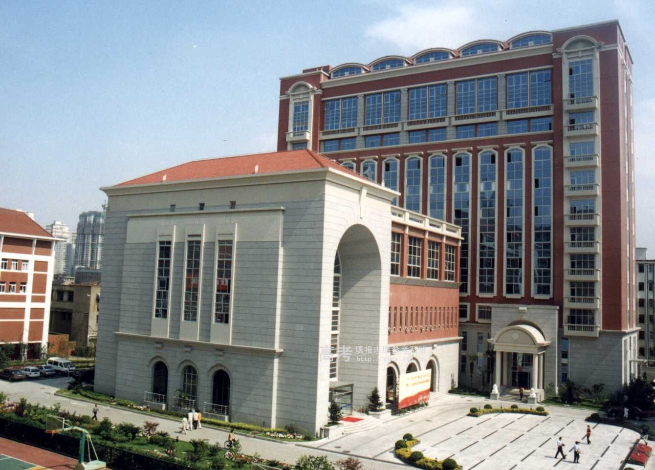 上海交大校园图片_上海交通大学医学院校园一角_校园相册_上海交通大学医学院