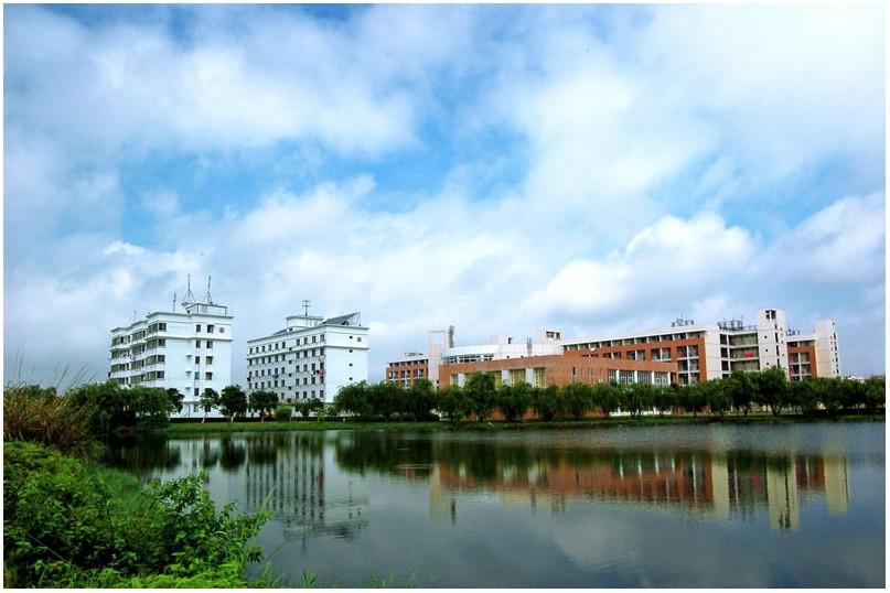 珠海城市职业技术学院校园一角