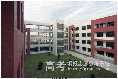 上海工艺美术职业学院校园一角