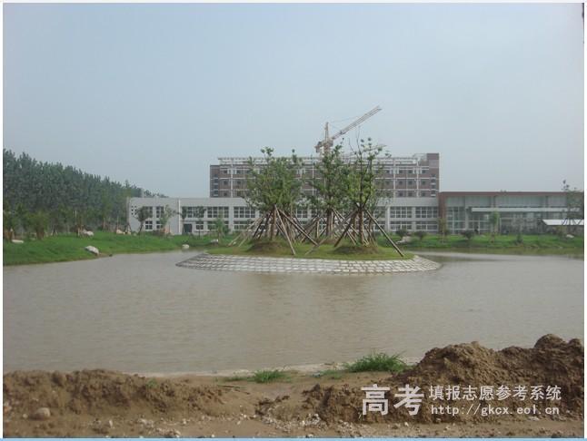 河南农业大学华豫学院校园一角