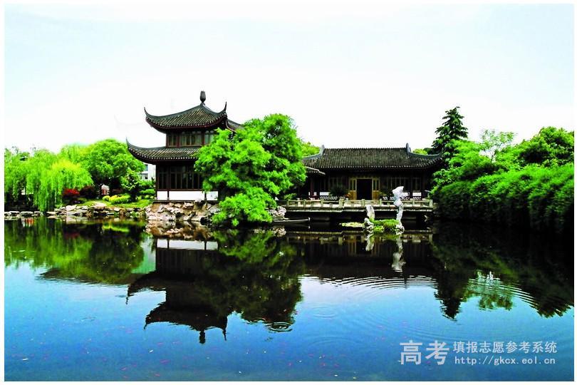 杭州师范大学钱江学院校园一角