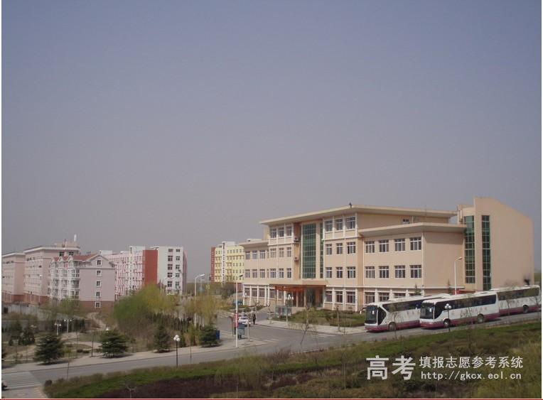 青岛求实职业技术学院校园一角