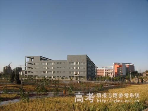 内蒙古科技大学包头医学院校园一角