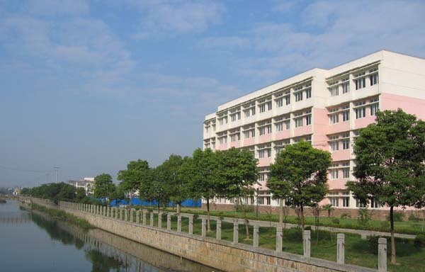 上海工商學院校園環境jxl1