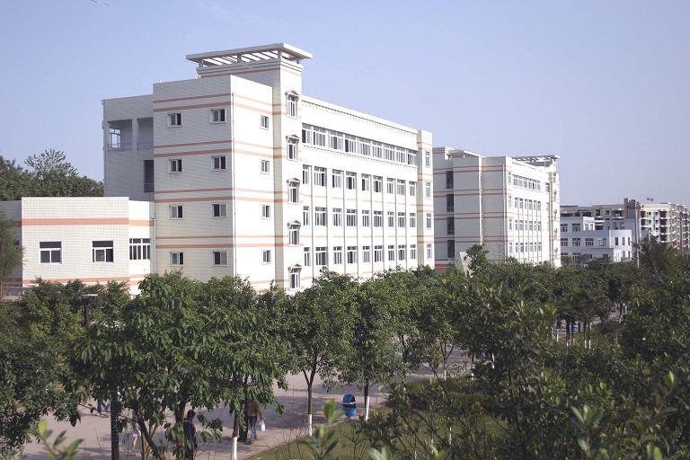 重庆师范大学涉外商贸学院校园环境6